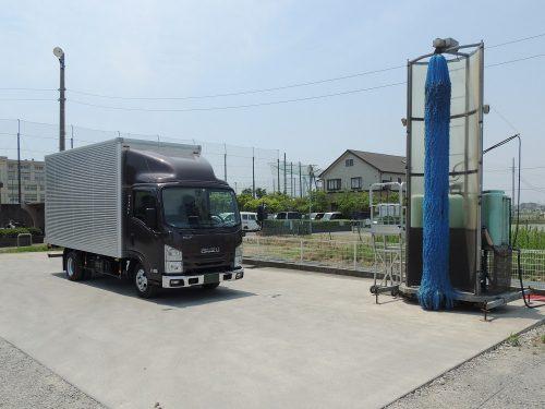 洗車スペース・給油スペース完備!